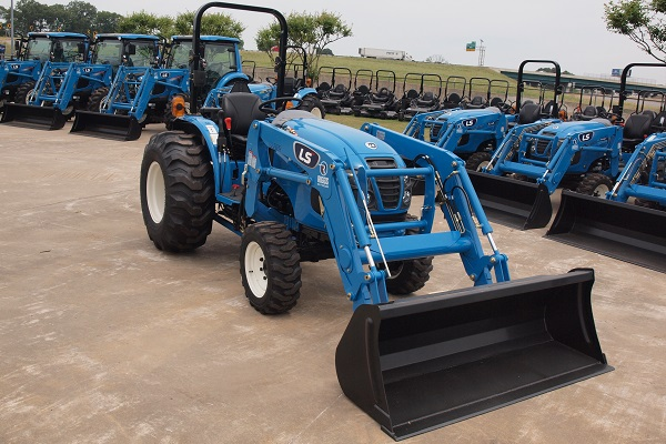 ls xg3140 tractor